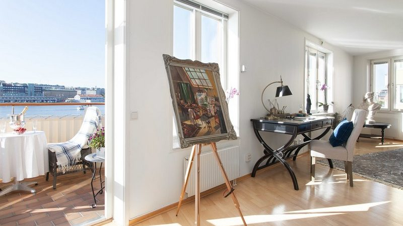 Swedish Apartment Opens Up to Bay Views in Gothenburg