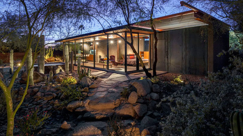 Horse Barn in Phoenix Becomes Contemporary Glass Residence