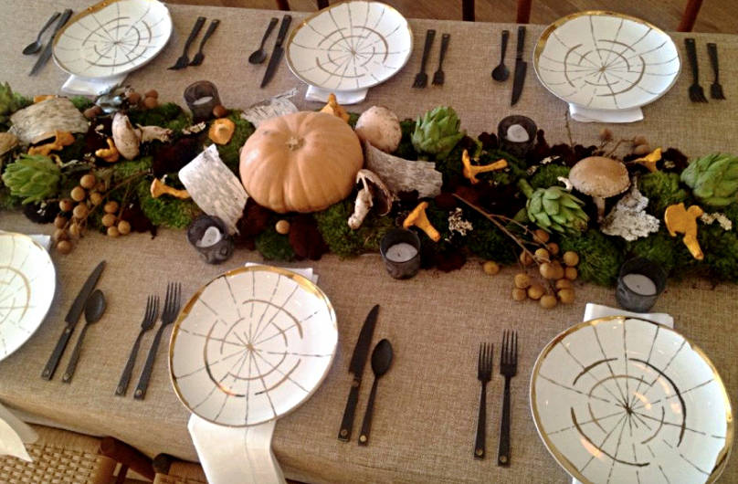 8 Thanksgiving Table Decorating Ideas for a Modern, Festive
