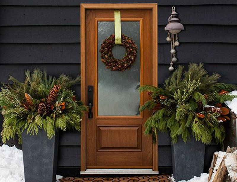 how to decorate the porch for the holidays - freshome.com