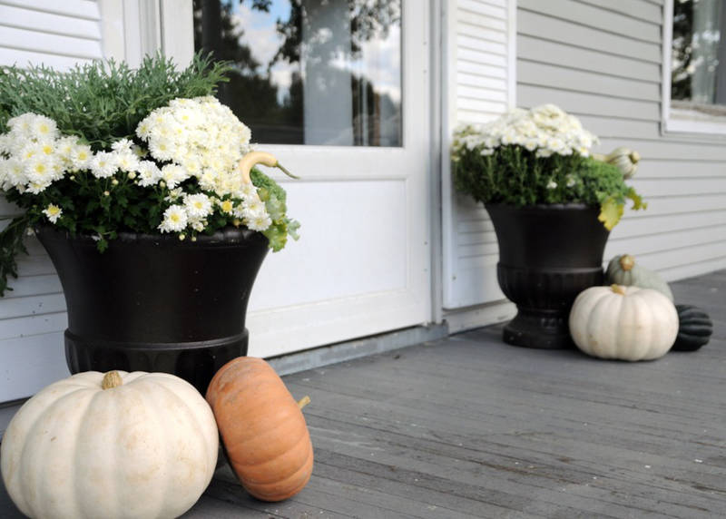 fall porch decorating ideas - freshome.com