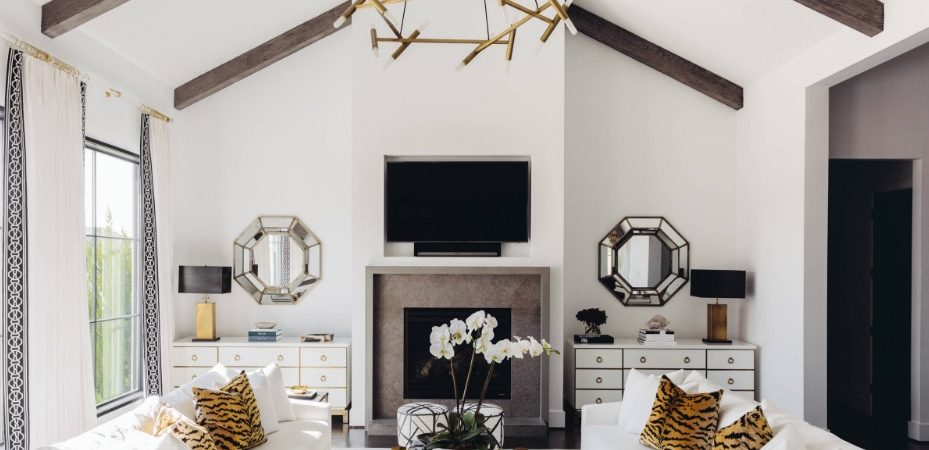 Hiring an Interior Designer vs. Interior Decorator: How to Choose Between the Two