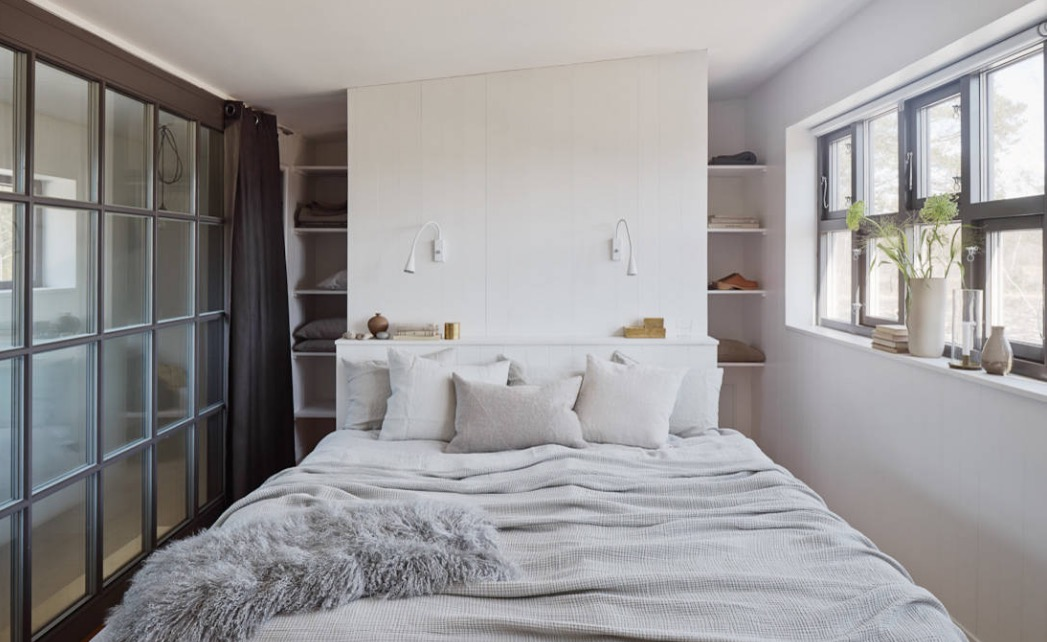 How To Make Your Small Master Bedroom Work For You