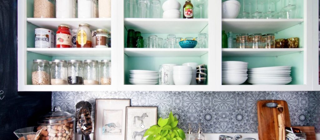 4 Design Tricks to Help You Spice Up a Boring Rental Kitchen (And Still Get Your Deposit Back