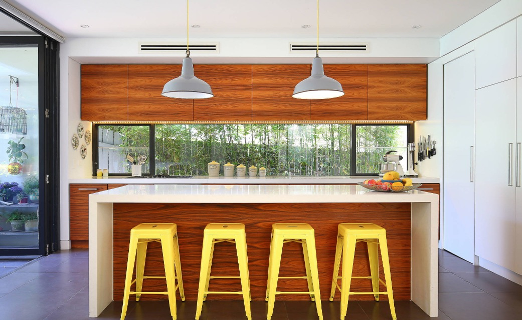 4 Creative Ways to e Up a Boring Rental Kitchen on home decoration for kitchen, paint ideas for kitchen, sport ideas for kitchen, cute ideas for kitchen, storage ideas for kitchen, ideas to decorate your kitchen, kitchen ideas for kitchen, wall decorations for kitchen, flooring ideas for kitchen, christmas crafts for kitchen, home decor kitchen, faux painting ideas for kitchen, desk ideas for kitchen, food for kitchen, diy for kitchen, dorm room ideas for kitchen, vintage ideas for kitchen, party for kitchen, candles for kitchen, home ideas for kitchen,