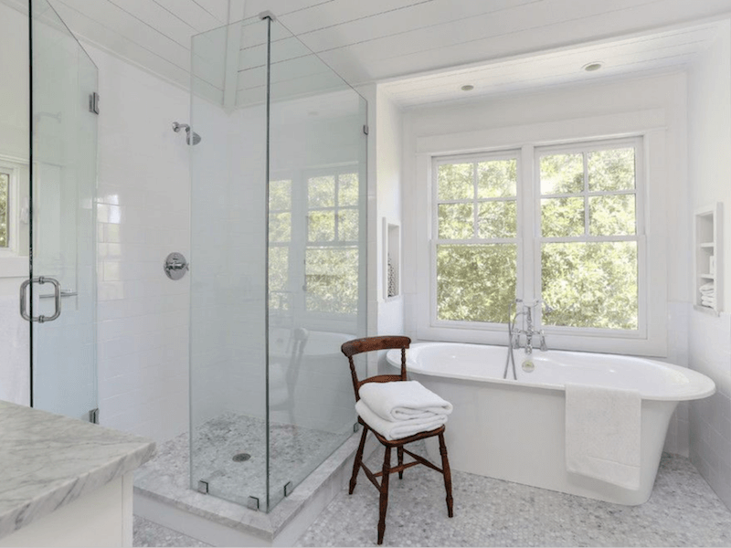 eco-friendly cleaning solutions for the bathroom