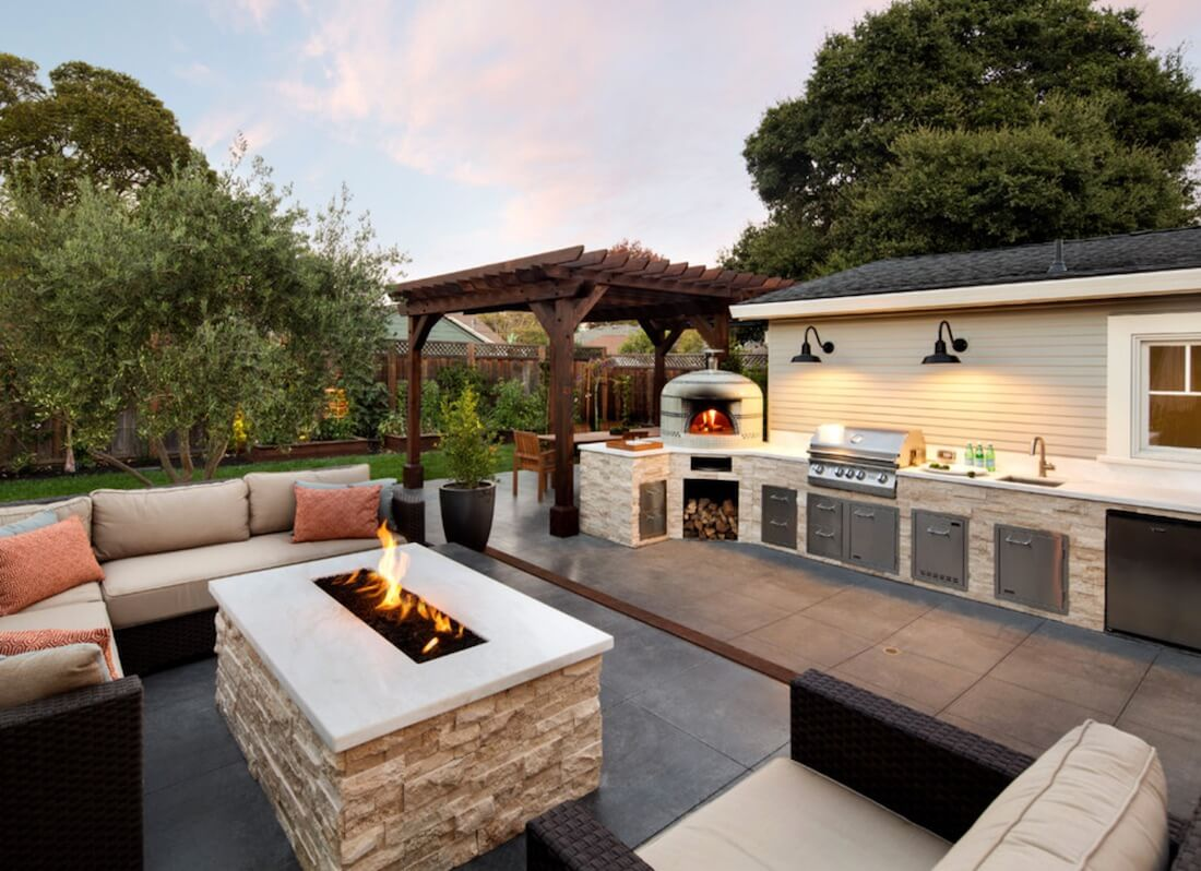 Outdoor Living Spaces Modern Fire Pit