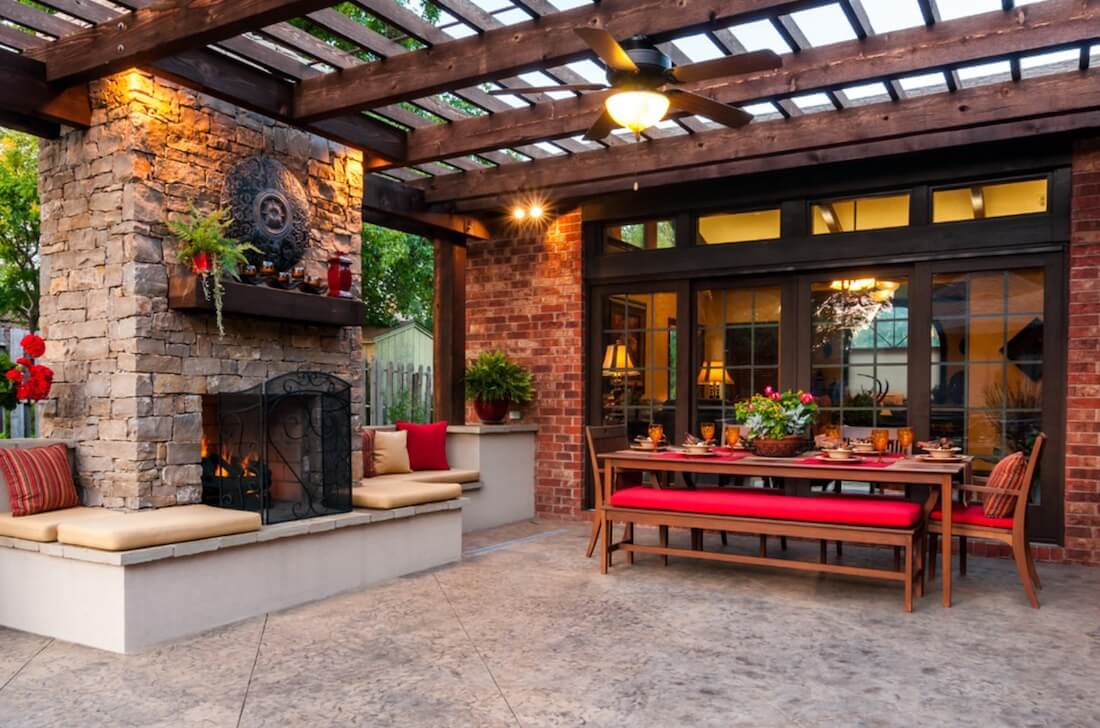 Outdoor Living Spaces Mantel