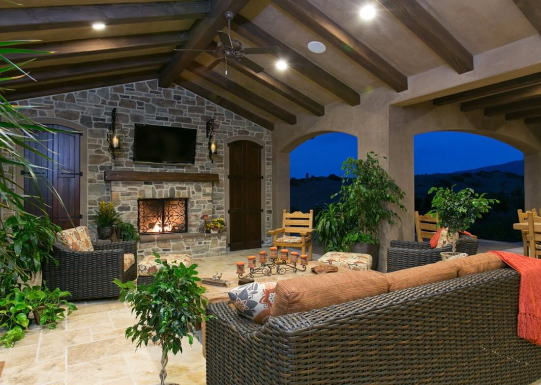 Outdoor Living Spaces With TV