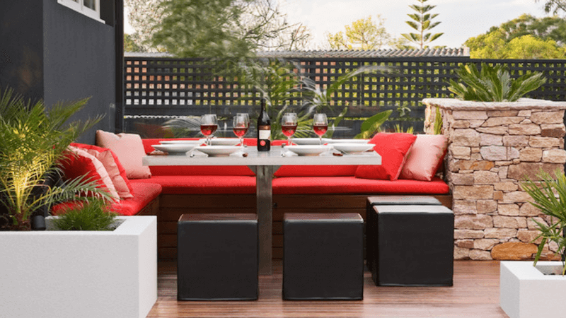 5 Outdoor Entertaining Tips to Amp Up Your Summer Parties