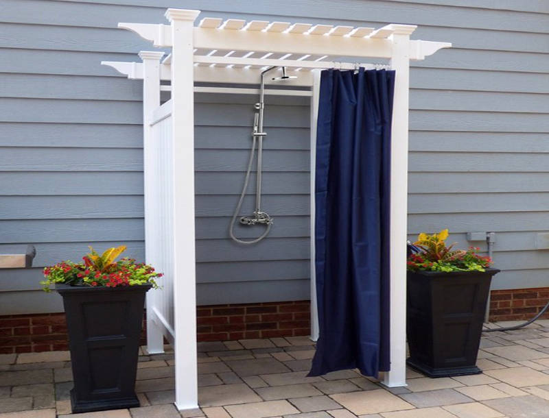 25 Refreshing Outdoor Shower Ideas For