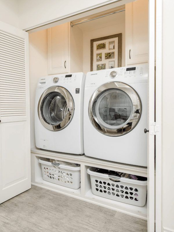 small laundry room - mounted