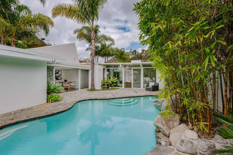 Taylor Swift Is a Secret House Flipper. Check Out Her Mid-Century Modern Listing
