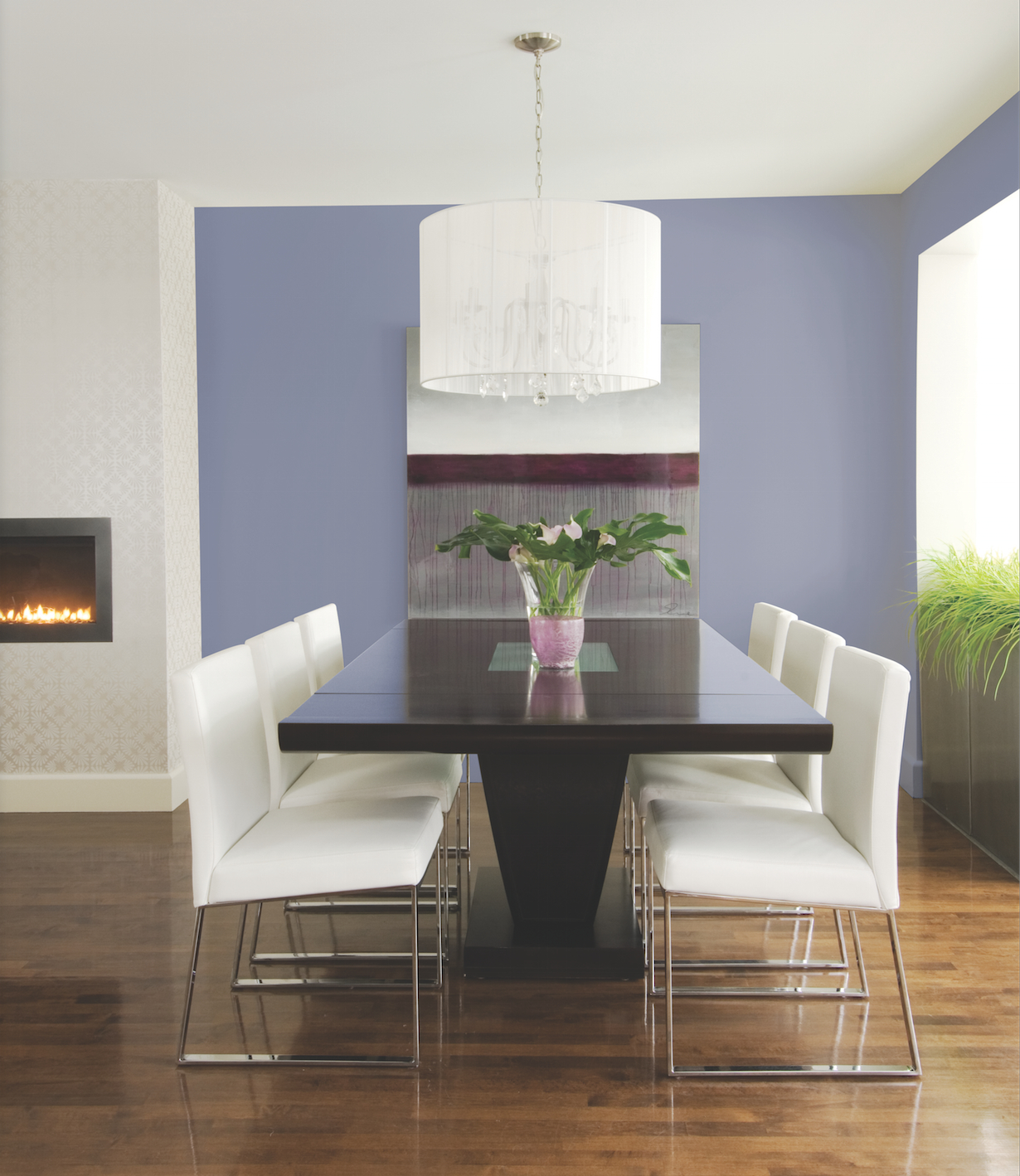 Simple White Themed Dining Room Design Ideas: 7 Easy Ways To Decorate With Lilac