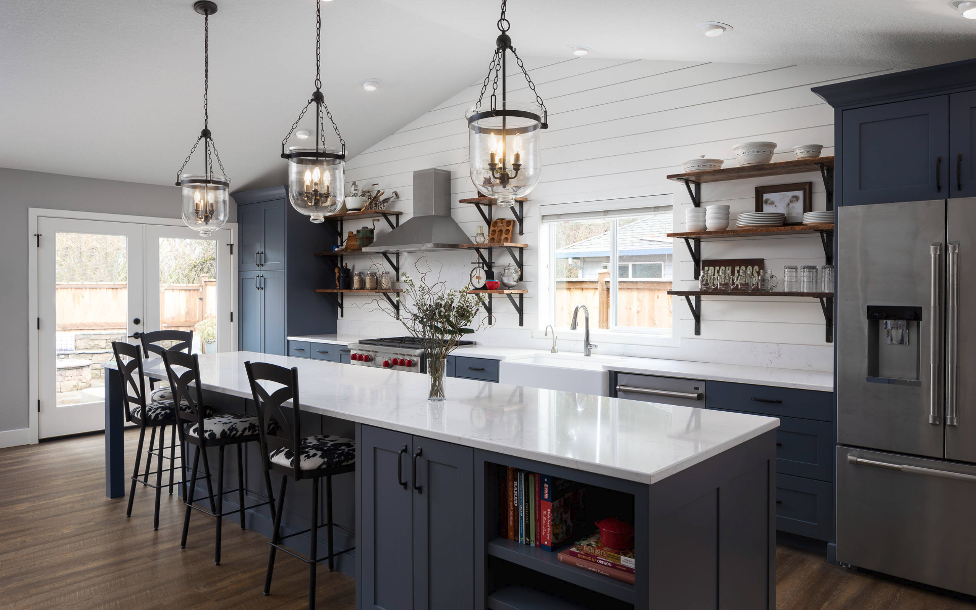Here Are 15 Modern Farmhouse Kitchen Ideas to Inspire You