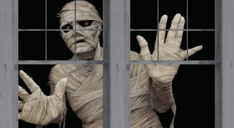 Haunt Your House Using Halloween Illusion Decorations