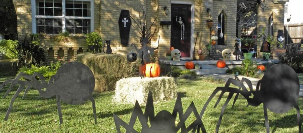 5 Ideas for Getting a Haunted Garden This Halloween