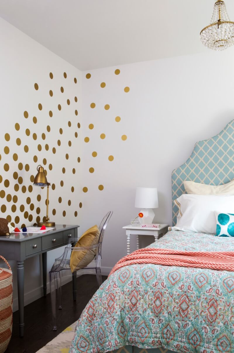 Polka-Dot Designs Corner Design