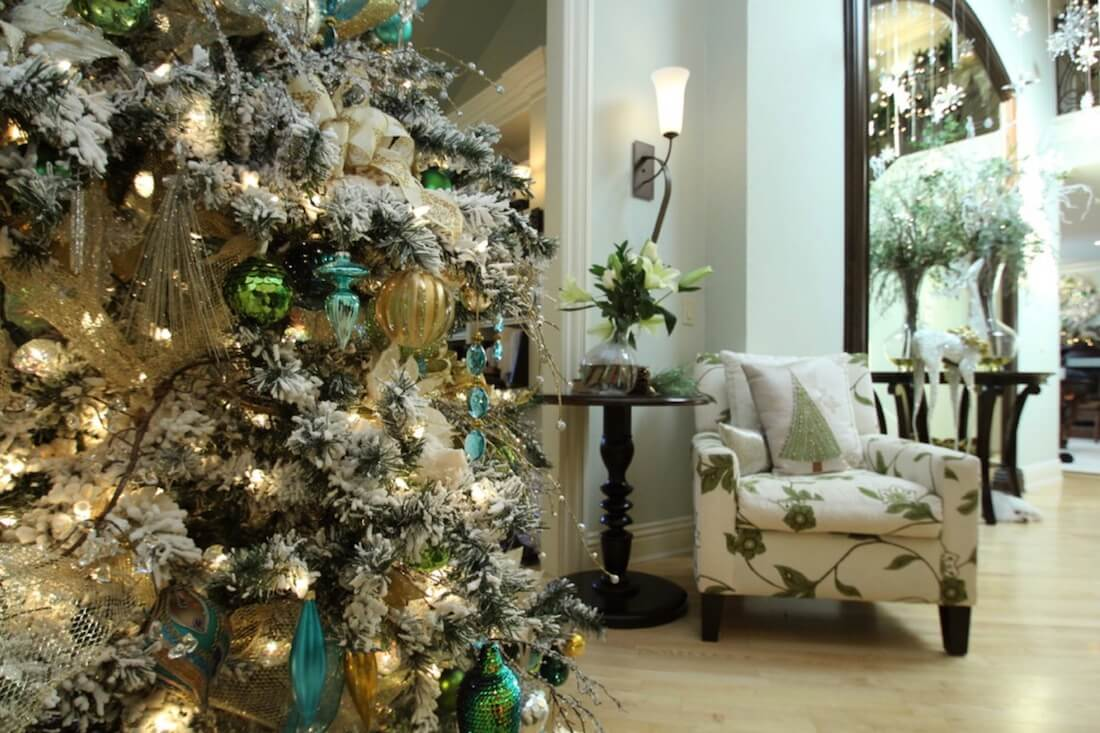 Seasonal Decorating Green Accents Chair