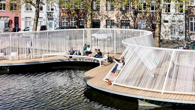 Floating Island in Belgium Drives People to the Waterside