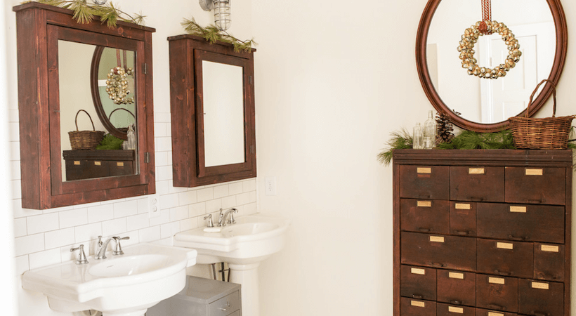 How to Decorate a Bathroom for the Holidays