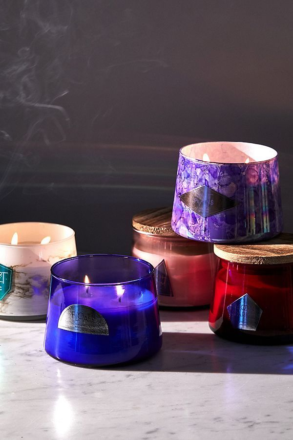 guest bedroom essentials - candle