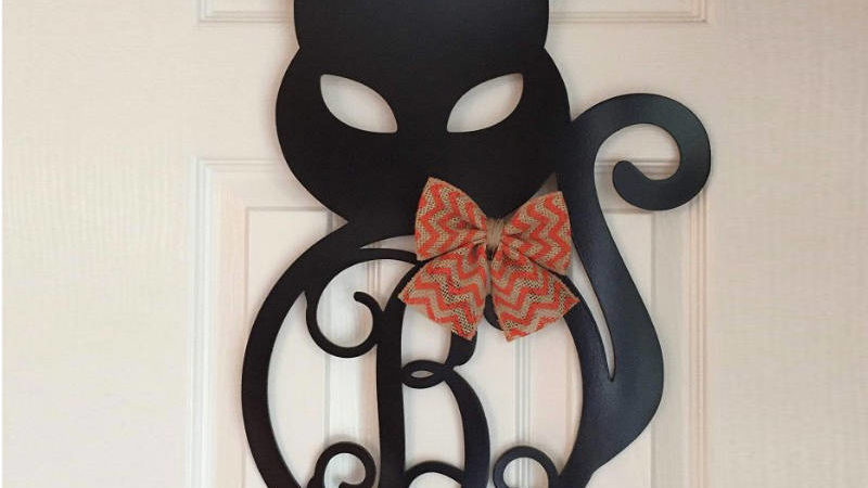 13 Halloween Wreaths To Sweeten Your Front Door