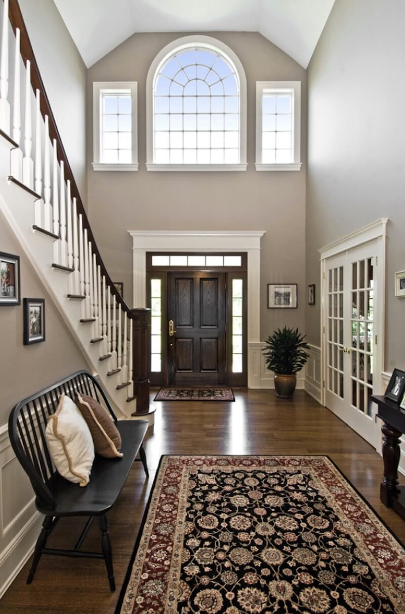 Arranging your Home for Entertaining Foyer Space