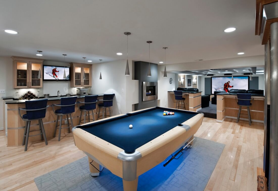 Arranging your Home for Entertaining Pool Table