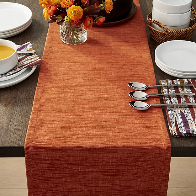 24 Thanksgiving Table Runners That Can Add Flair To Your Table