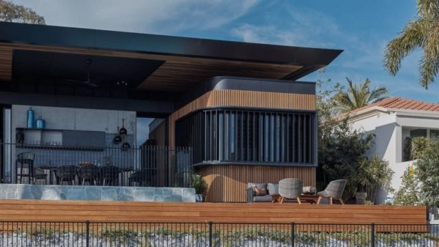 Waterside Residence in Australia Unveils an Exciting Layout