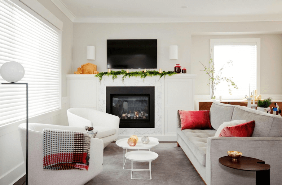 keep pets away from holiday decor 3