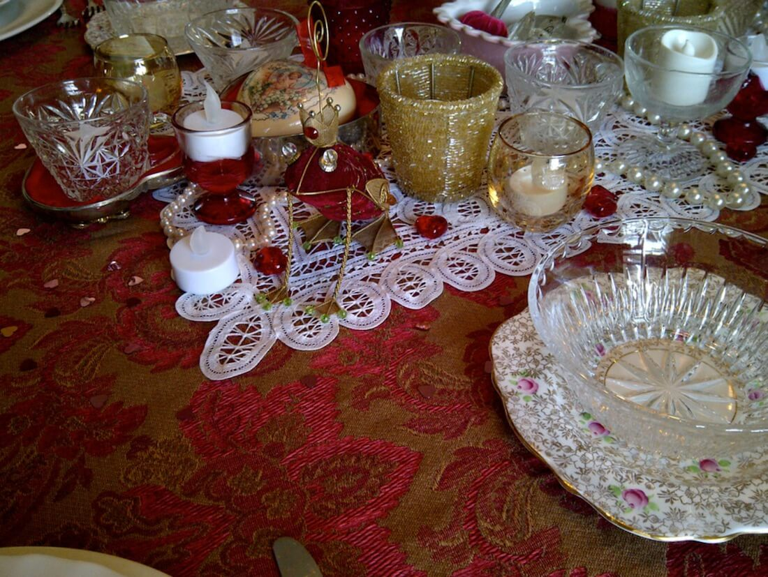 Valentine's Day Table Setting Ruby Frog