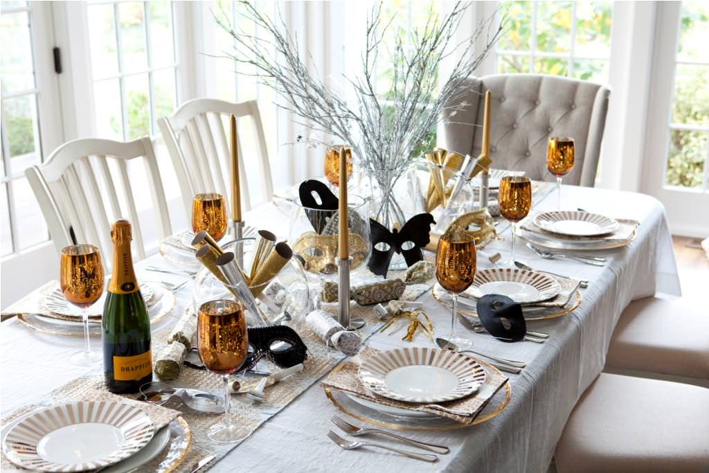 gold new year's eve decor
