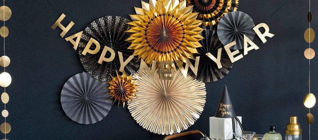 Get The Look: 5 Themed New Year's Eve Decor Ideas For Your Holiday Party
