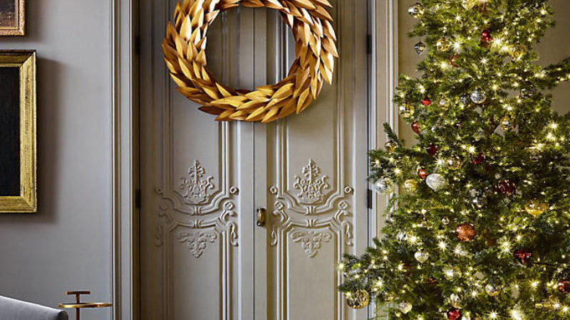 Modern Christmas Wreaths Featuring The Latest Trends Like Metallics, Pastels and Pom Poms