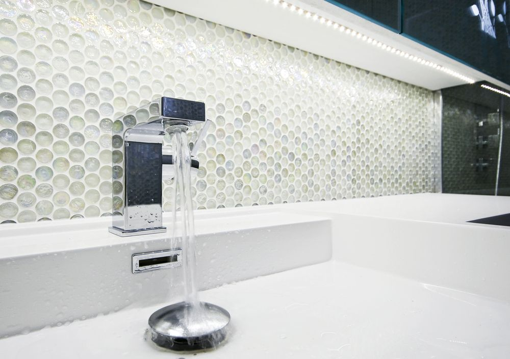 faucets and other plumbing features