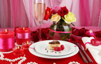 How to Get the Perfect Valentine's Day Table Setting