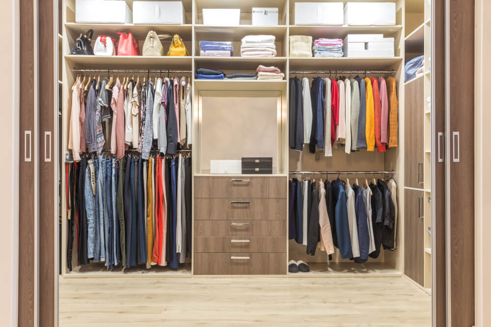 Walk-in Closets Drawers Shelving Style