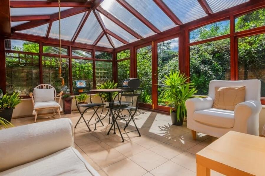 Bring The Sun In This Winter With A Sunroom Freshome Com