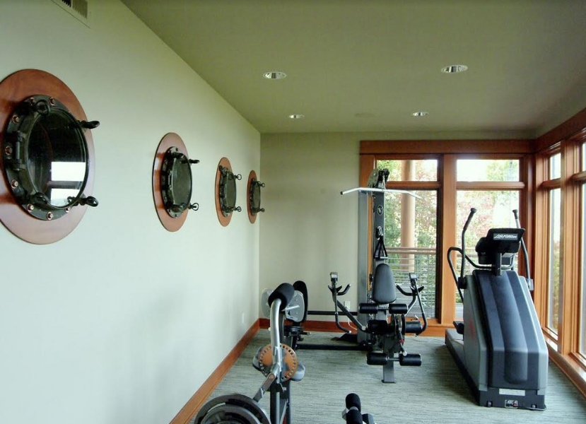 Porthole home gym