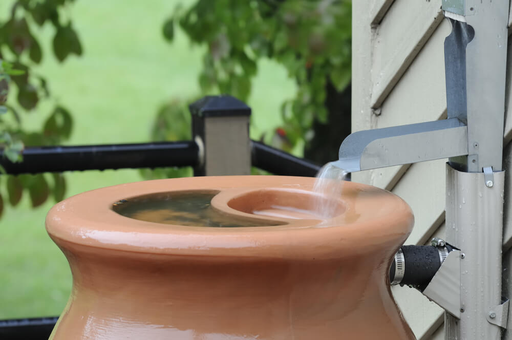 Green Lawn Rain Barrel System