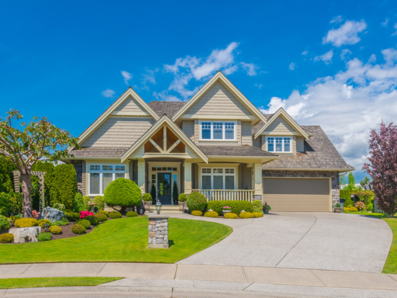 Traditional craftsman home exterior