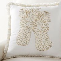 Our 5 Favorite Looks From The New Pottery Barn Lilly