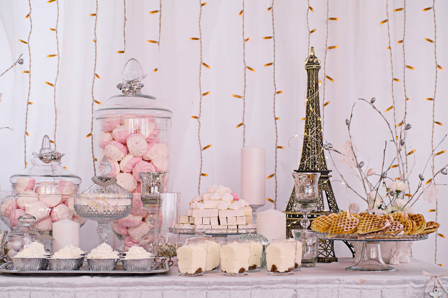 parisian wedding decor
