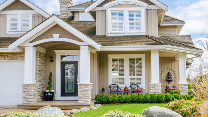 Lawn Care Tips to Boost Your Home's Curb Appeal