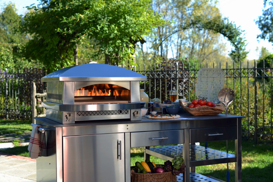 You'll gain a lot of friends with this Artisan Fire Pizza Oven by Kalamazoo Outdoor Gourmet.